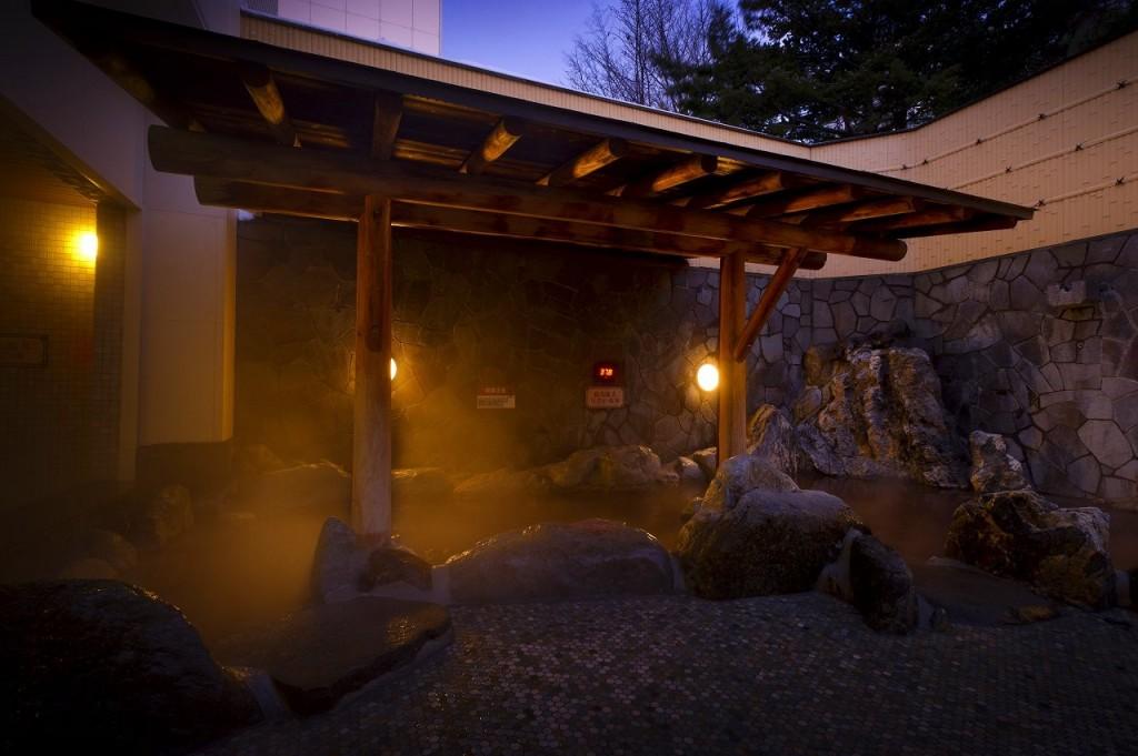 湯の郷 絢ほのか 露天風呂