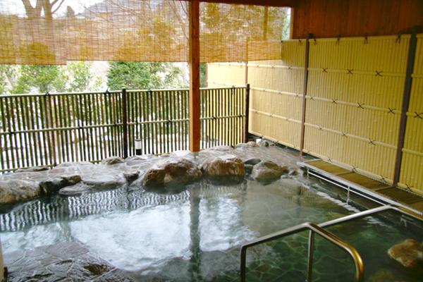 埼玉県 秩父川端温泉 梵の湯 露天風呂の写真