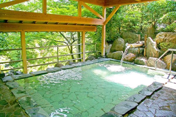 埼玉県 秩父温泉 満願の湯 露天風呂の写真