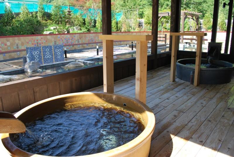 定山渓グランドホテル瑞苑 陶器風呂