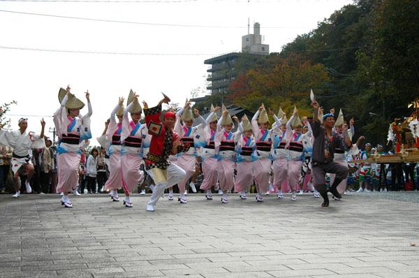 那須音頭や阿波踊りで盛り上がります!