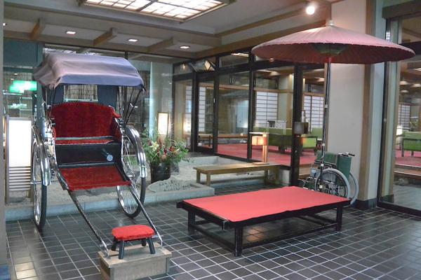 大阪屋旅館 フロント