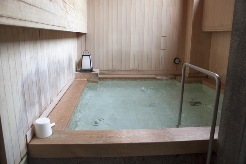 戸越銀座温泉 月の湯 露天風呂
