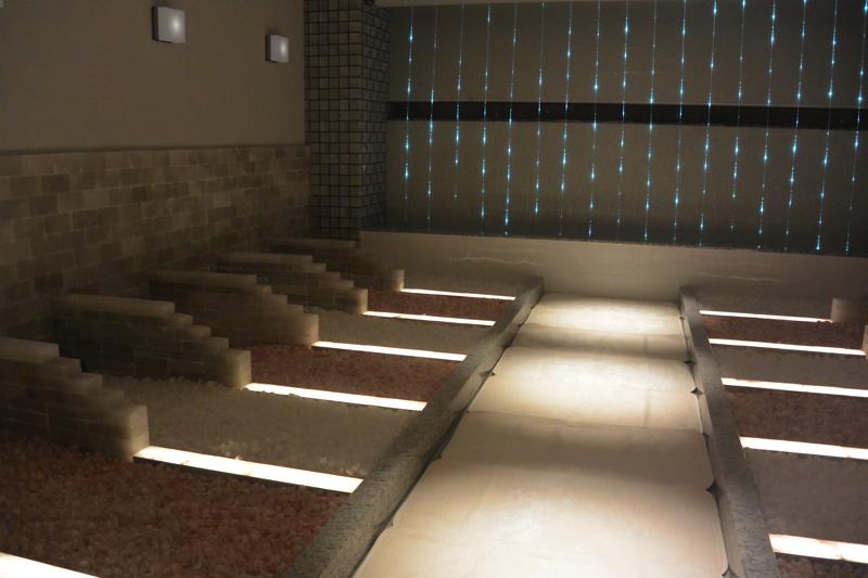 綱島温泉「綱島源泉湯けむりの庄」の岩盤浴「塩」の写真