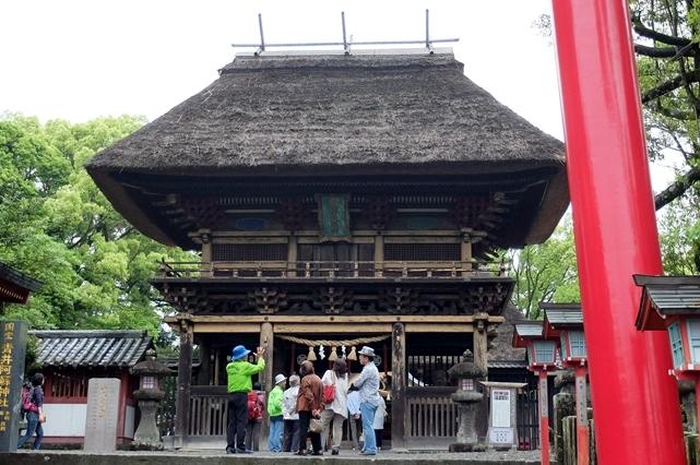青井阿蘇神社の楼門の写真