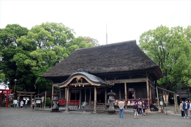 青井阿蘇神社の拝殿の写真