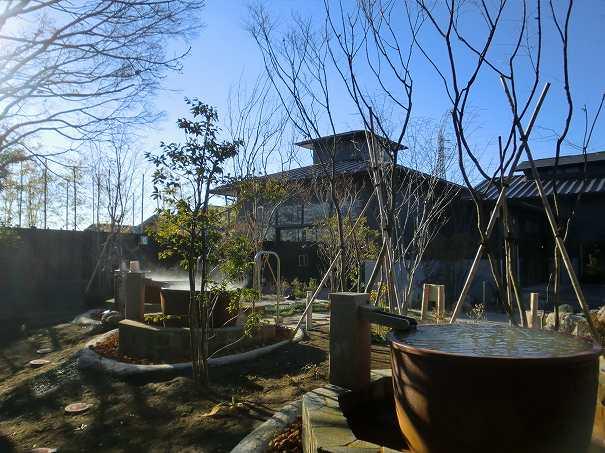 杉戸温泉「雅楽の湯」のつぼ風呂と石風呂の写真