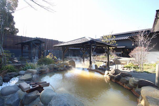 杉戸温泉「雅楽の湯」の庭園露天風呂の写真