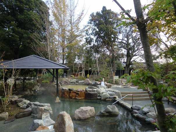 杉戸温泉「雅楽の湯」の岩風呂の写真