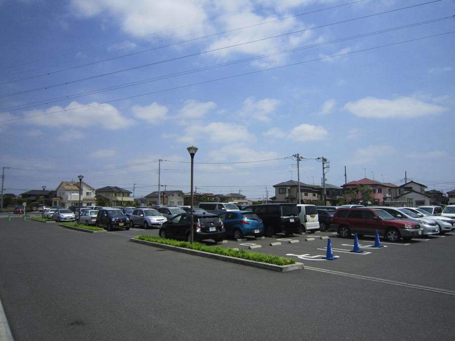 杉戸温泉「雅楽の湯」の駐車場の写真