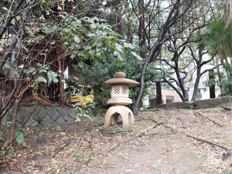 台湾北投温泉の灯篭の写真