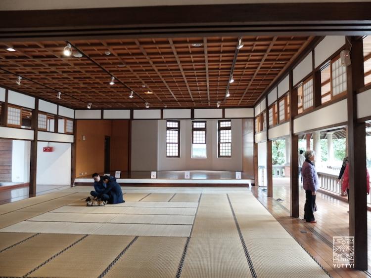 台湾北投温泉の北投温泉博物館の畳の休憩スペースの写真