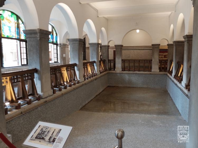 台湾北投温泉の北投温泉博物館の当時北投温泉で一番大きかった浴場の写真