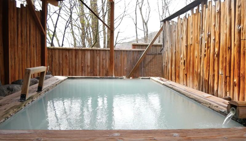 蔵王温泉ルーセントタカミヤの露天風呂の写真