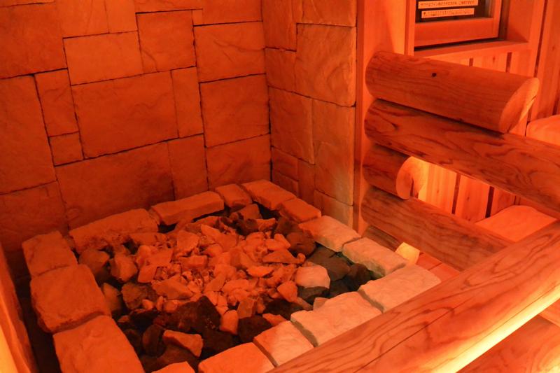南青山 清水湯の女湯のサウナの写真