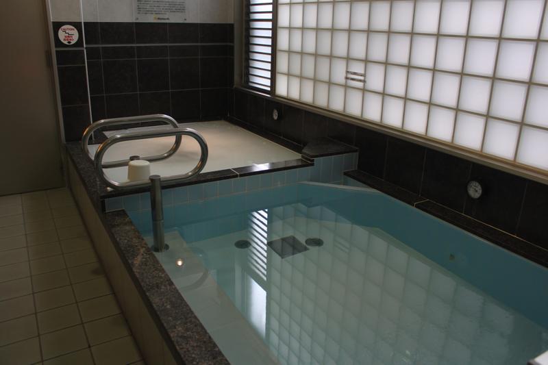 南青山 清水湯の高濃度炭酸泉とシルクバスの写真