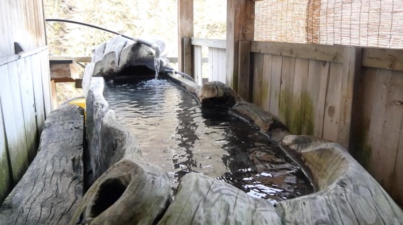 新高湯温泉の吾妻屋の貸切大樹風呂の写真