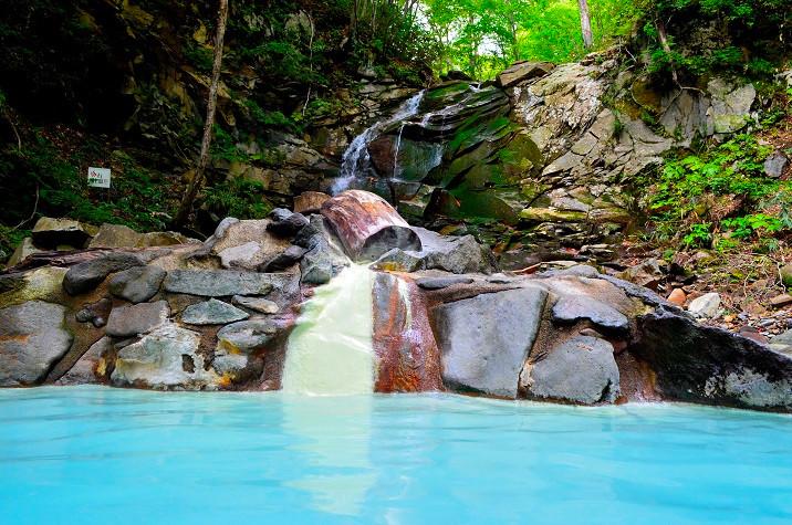 休暇村岩手網張温泉 仙女の湯の野天風呂の写真