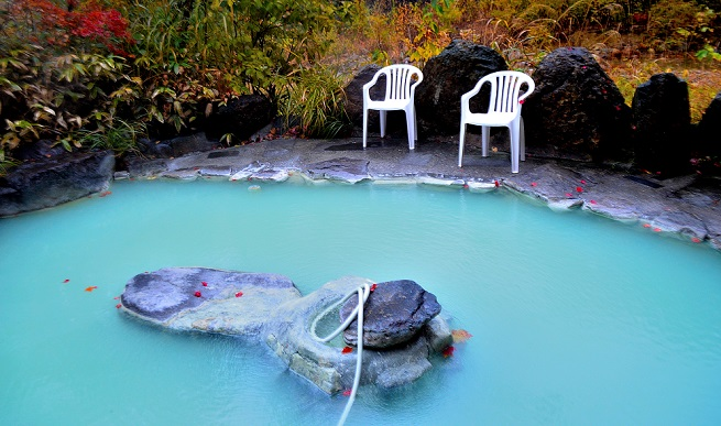長野・七味温泉「山王荘」の温泉の写真
