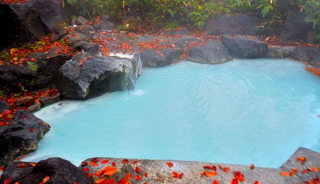 新潟・燕温泉「黄金の湯」の写真