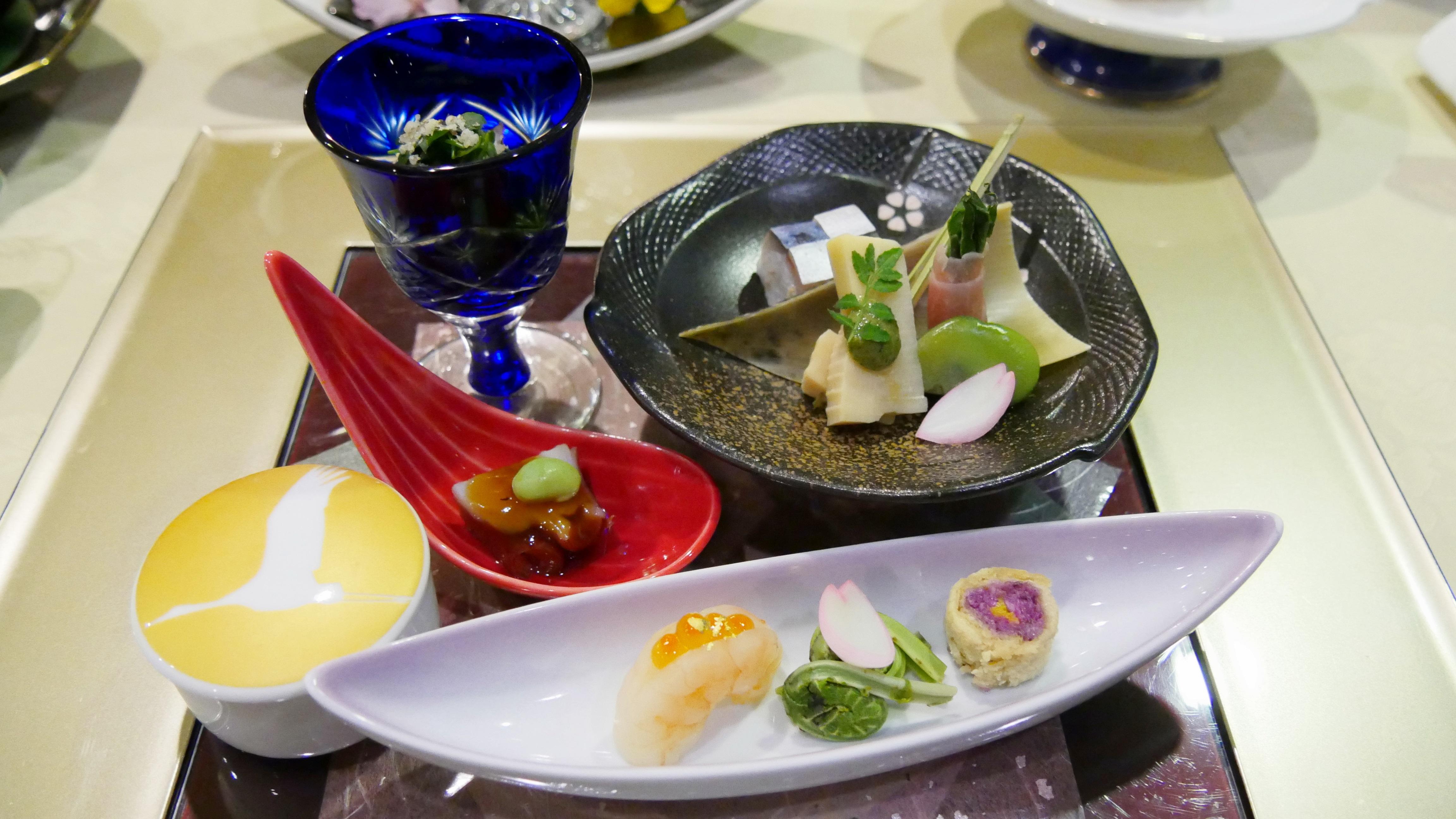蔵王温泉の深山荘高見屋の料理の写真