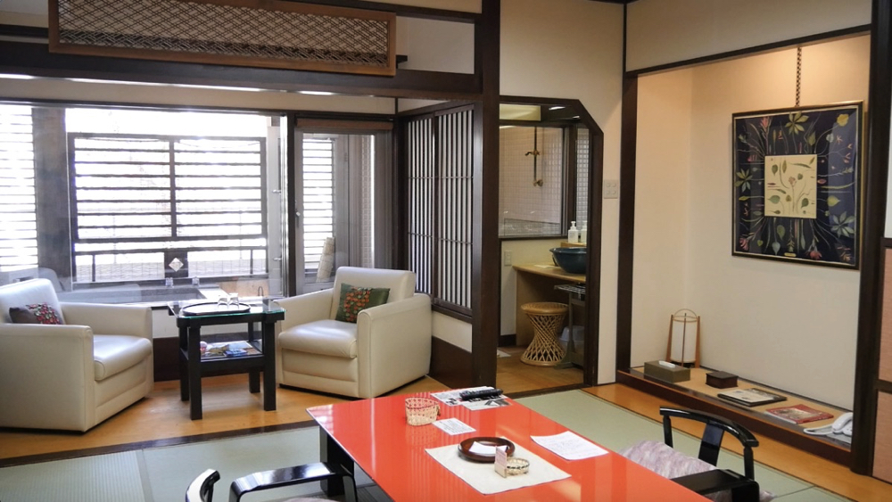 蔵王温泉の深山荘高見屋の和室の写真
