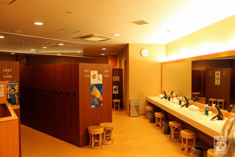 豊島園 庭の湯のロッカールームの写真