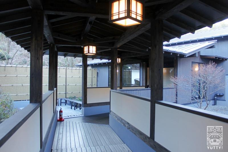 【佐倉天然温泉 澄流】の渡り廊下の写真