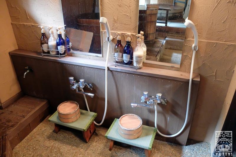 おもいでの宿 湯の島館 「風の湯」のカランの写真