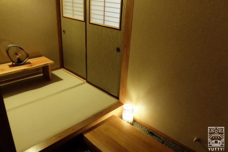 おもいでの宿 湯の島館 の客室の入口の写真