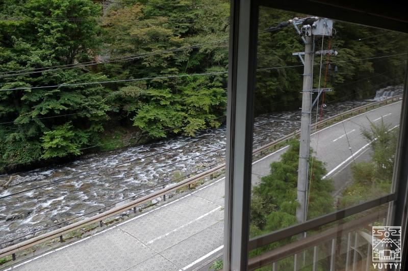 おもいでの宿 湯の島館 の客室「和ーなごみー」からみえる安倍川の写真