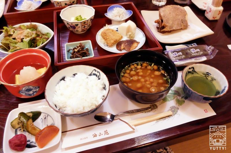 秘境温泉【油山苑】の朝食の写真