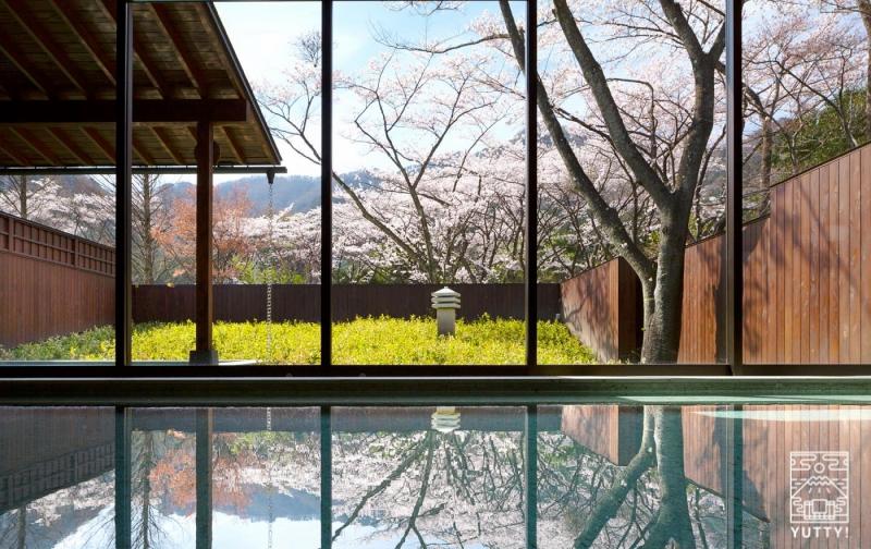 星野リゾート 界 鬼怒川 の内風呂の写真