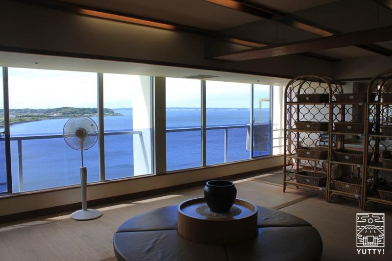 舘山寺サゴーロイヤルホテルの展望大浴場の脱衣所の写真