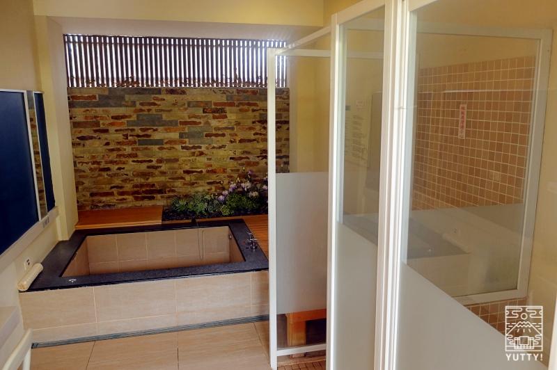 四重渓温泉 清泉日式温泉旅館の新館「日式湯屋」の浴室の写真