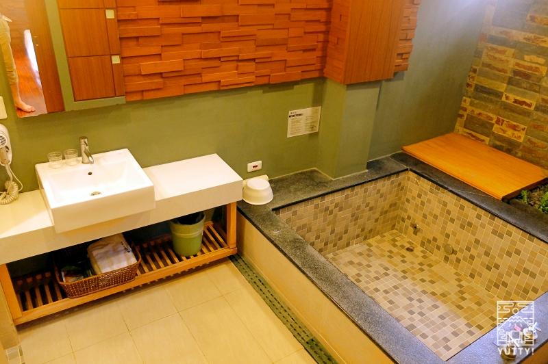 四重渓温泉 清泉日式温泉旅館の豪華御詠房の個室温泉風呂の写真