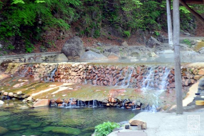 群馬・尻焼温泉「川の湯」の写真