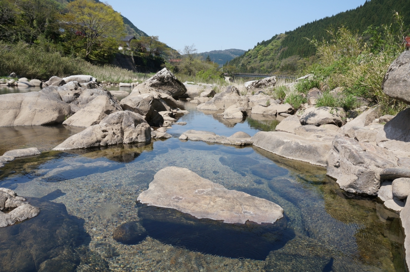 出雲湯村温泉のワイルドな野湯『川露天風呂』