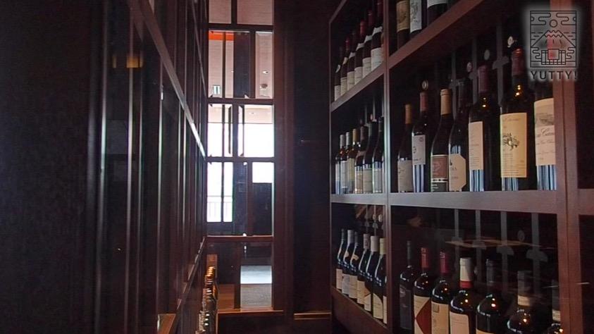 ニセコ昆布温泉 鶴雅別荘 杢の抄のワインセラーの写真
