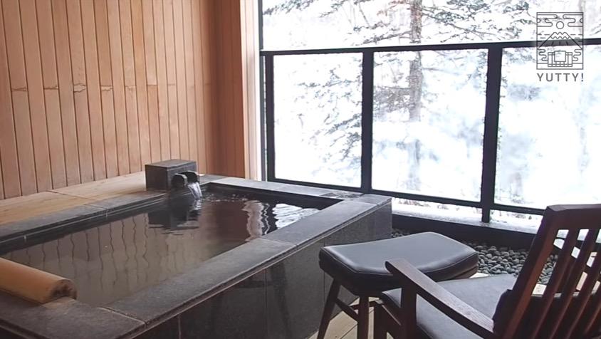 ニセコ昆布温泉 鶴雅別荘 杢の抄のスイートの個室露天風呂の写真