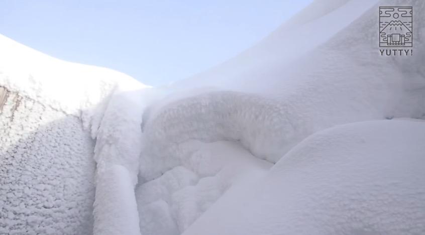 五色温泉旅館の降り積もった雪の写真
