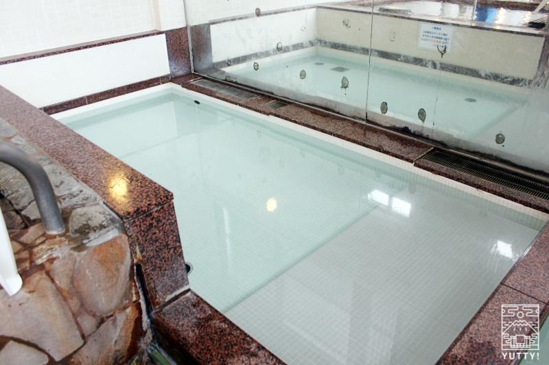 静岡天然温泉 おふろcafe bijinyu 美肌湯  の「不感温浴」浴槽の写真