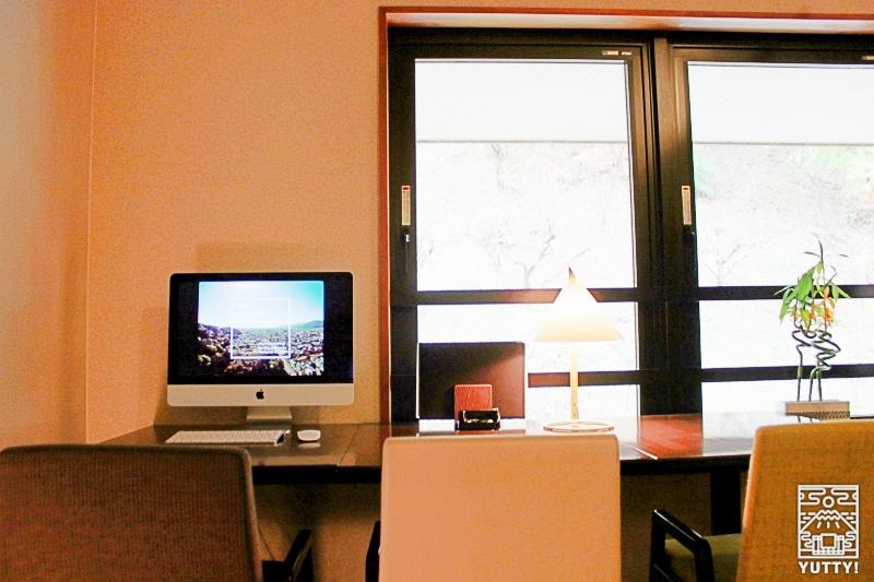 静岡天然温泉 おふろcafe bijinyu 美肌湯  のカフェ内PCスペースの写真