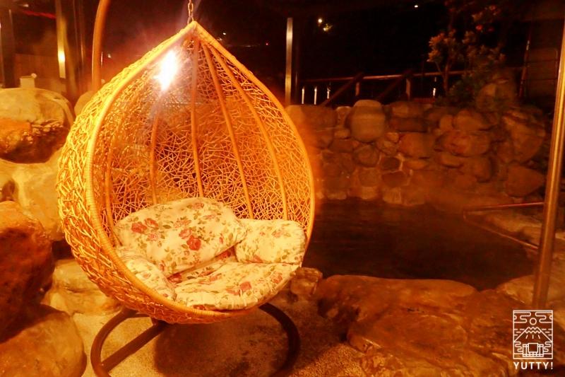 国際岩湯の露天風呂の写真