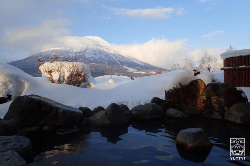 露天風呂から見える羊蹄山の写真