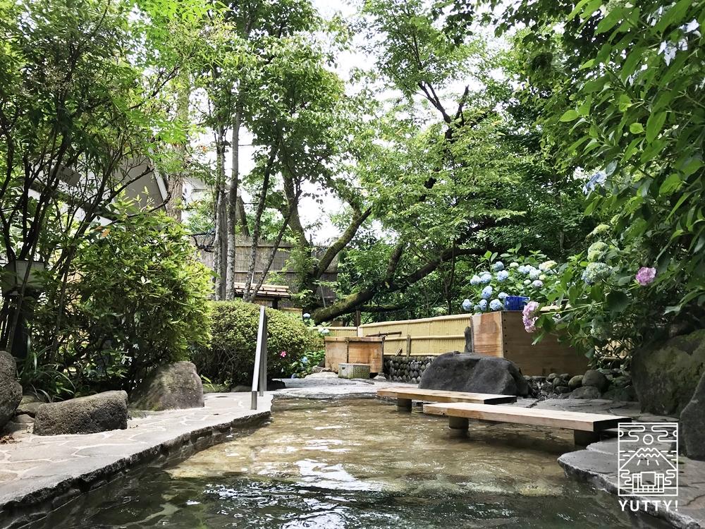 厚木 元湯旅館の渓流風呂5