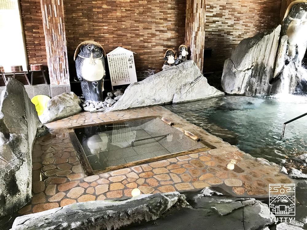 厚木 元湯旅館のたぬき風呂3
