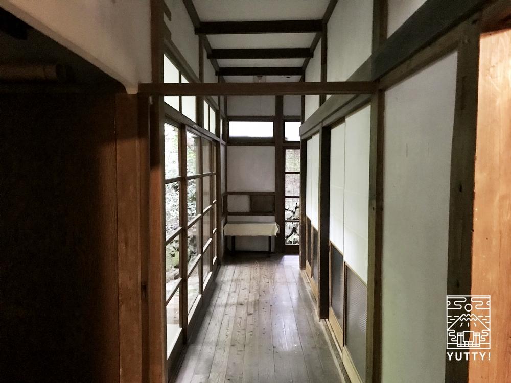 七沢温泉元湯玉川館の廊下