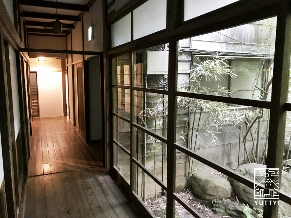 七沢温泉元湯玉川館の廊下2