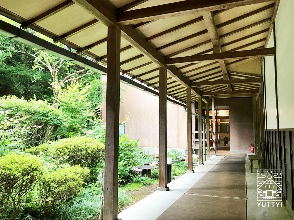 七沢温泉元湯玉川館の外廊下
